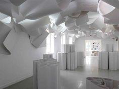 """Apresentando um dicionário que o arquiteto húngaro Yona Friedman começou a desenhar aos 30 anos, a exposição """"Dicionário, Pomenadologues #3"""" fica em cartaz em São Paulo."""
