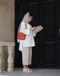 Iranian Women Fashion, Islamic Fashion, Muslim Fashion, Womens Fashion, Kimono Fashion, Hijab Fashion, Fashion Dresses, Classy Outfits, Stylish Outfits