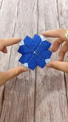 Cool Paper Crafts, Paper Flowers Craft, Paper Crafts Origami, Cute Crafts, Flower Crafts, Origami Flowers, Diy Crafts Hacks, Diy Crafts For Gifts, Diy Arts And Crafts