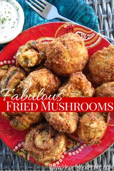 Fabulous Fried Mushrooms - If you like fried mushrooms, you'll love this recipe. The perfect amount of crunch and just the right seasonings to make you not even want the ranch. Deep Fried Mushrooms, Breaded Mushrooms, Stuffed Mushrooms, Battered Mushrooms, Wild Mushrooms, Veggie Dishes, Vegetable Recipes, Vegetarian Recipes, Cooking Recipes