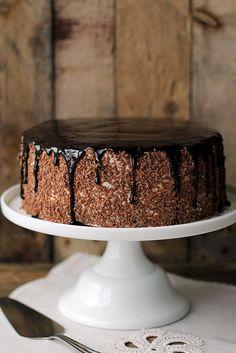 Tort kawowy z powidłami śliwkowymi i kremem straciatella... Pastry Recipes, Cooking Recipes, Cake Fillings, Cake & Co, Cake Business, Pastry Cake, Creme, Frosting, Good Food
