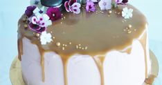 Redcurrant Caramel Cake on Cake Central Sweet Recipes, Cake Recipes, Delicious Desserts, Yummy Food, Just Eat It, Sweet Pastries, Gorgeous Cakes, Drip Cakes, Piece Of Cakes