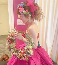 Wedding Hair Flowers, Flowers In Hair, Wedding Dresses, Hair Arrange, Wedding Images, Wedding Bride, Bridal Hair, Wedding Hairstyles, Bouquet