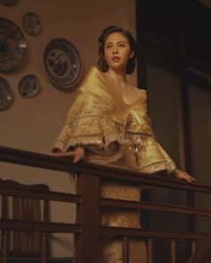 Janella Salvador in National dress of Philippines Modern Filipiniana Gown, Filipiniana Wedding Theme, Maria Clara Dress Philippines, Filipino Wedding, Filipino Fashion, Filipino Culture, Philippines Culture, Filipina Beauty, Photoshoot Themes