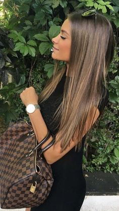 α ɡίɾʆ& ʆίƒε in 2020 Brown Hair Balayage, Brown Blonde Hair, Light Brown Hair, Hair Color Balayage, Hair Highlights, Dark Hair, Light Brunette Hair, Balayage Straight Hair, Honey Brown Hair