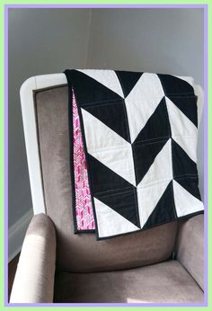 Items similar to Modern Baby Quilt - Black & White Herringbone with Pink Arrow Backing - Crib Quilt - Black and White Crib Bedding - Quilted Baby Blanket on Etsy Modern Grey Sofa, Modern Crib, Contemporary Sofa, Modern Kids, Brown Sofa Set, White Crib Bedding, Herringbone Quilt, Quilted Baby Blanket, Cool House Designs