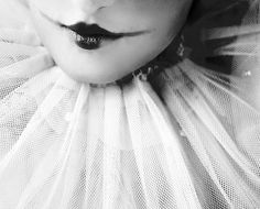 Pierrot_Lips_by_larafairie