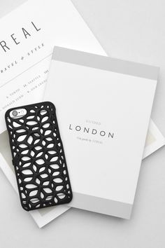 Wine lovers are going CRAZY over these amazing iPhone cases. Got an iPhone? This is the case for you. Wear this case with pride, pride to be an alcoholic. Only available for iPhone . IT'S FREE! London City Guide, 3d Printing Business, Walpaper Black, Homemade 3d Printer, Phone Icon, Soap Bubbles, Hand Designs, Stationery Design, Iphone Cases
