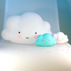 Live among the clouds thanks to this adorable mini cloud light created by A little Lovely Company. With its pretty smile, it is ideal for children !