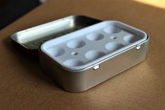 Altoids Tin (Altoid Tin) Water Color Palette with Brush Stand by - Thingiverse Tin Can Crafts, Geek Crafts, Useful 3d Prints, Geek Jewelry, Bullet Jewelry, Gothic Jewelry, Jewelry Necklaces, Altered Tins, Altered Art