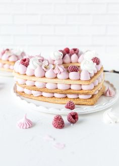 Mille Feuille with raspberries Desserts Français, French Desserts, Dessert Recipes, Cake & Co, Eat Cake, Alphabet Cake, Cake Lettering, Tree Cakes, Number Cakes