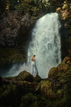 Travel photography inspiration with a fine art photography feel! Our photography project blends conceptual photography inspiration, fine art photography inspiration, and travel photography all into one image! Traveling to Iceland is such a magical experience! Click this image for fine art photography tips, Oregon travel tips, travel photography inspiration, Pacific Northwest inspiration, how to visit the Pacific Northwest, waterfall photography, long exposure photography and more!