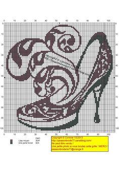 0 point de croix monochrome chausssure - cross stitch shoe