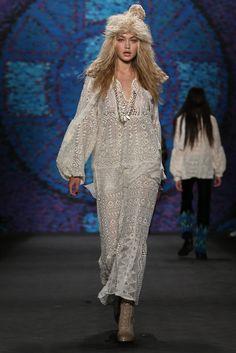 Anna Sui Spring 2015 NYFW  //modeled by Gigi