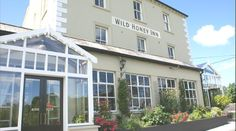 Hotel and B&B Accommodation in Lisdoonvarna is available at the Wild Honey Inn. 14 stylish rooms located in the heart of the Burren in Lisdoonvarna. Irish Free State, Ireland Pictures, Scotland Holidays, Romantic Breaks, Irish Eyes Are Smiling, County Clare, Ireland Homes, Republic Of Ireland, What A Wonderful World