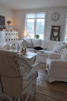 white living room with small touches of neutrals