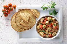 «Γιαουρτλού» στο τηγάνι, με ντομάτα και πάπρικες - Συνταγές | γαστρονόμος Pastry Recipes, Dessert Recipes, Cooking Recipes, Desserts, Yummy Recipes, Hummus, Yummy Food, Favorite Recipes, Sweets