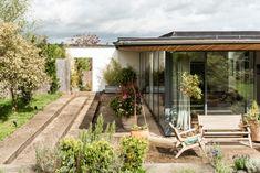 The Househunter: Blending inside and outside