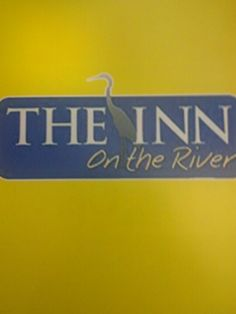 The Inn On The River features luxurious guest rooms and mini-suites that feature private balconies and in-room fireplaces. In addition, this hotel in Pigeon Forge offers a complimentary hot breakfast bar, free parking and free internet access. All for a great value, guests will receive 24-hour complimentary coffee, hot tea and hot chocolate. In addition, a family-friendly lobby is complete with board games where guests can relax and enjoy a nightly snack of freshly-popped popcorn.