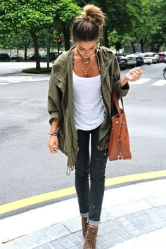 Big bag purse w/ skinny jeans, booties, T-shirt, military-inspired loose shirt