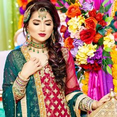 My sister's mehndi vlog is now up on my channel! Can't get over how beautiful my set was from Mashallahhhh ❤️ Check out the… Pakistani Wedding Hairstyles, Asian Wedding Dress Pakistani, Mehndi Hairstyles, Pakistani Street Style, Pakistani Outfits, Indian Outfits, Wedding Mehndi, Wedding Bride, Wedding Events