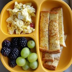 Toddler meals 466685580131770731 - with and / / and Source by damarifergiron Toddler Friendly Meals, Healthy Toddler Meals, Toddler Lunches, Toddler Food, Toddler Dinners, Toddler Menu, Baby First Foods, Baby Finger Foods, Baby Foods