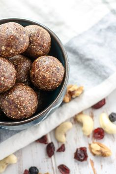 Just five ingredients and 10 minutes to the most delicious little ball recipe, these Ginger Berry Energy Balls are bound to be your new favorite! Gluten-free, vegan and so flavorful!