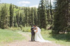 BLOG: A few of our fave Colorado mountain wedding venues! Dreaming of a Rocky Mountain wedding? Here's where to start.