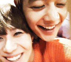 2min they need to get married XD