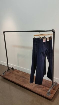Rustic industrial pipe garment rack on Castors. Perfect for either commercial retail use or in your home to create some extra storage space