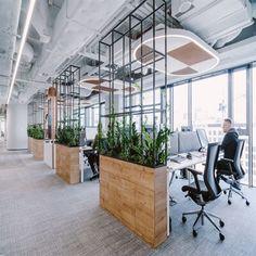 Office Tour: L'Oréal Offices – Warsaw – Modern Corporate Office Design Corporate Office Design, Open Office Design, Industrial Office Design, Office Interior Design, Office Interiors, Office Designs, Corporate Offices, Corporate Interiors, Open Space Office
