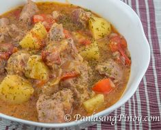 Pork and Potato Stew Recipe - Panlasang Pinoy There are many nutrients in mea. Cubed Pork Recipes, Stew Meat Recipes, Fish Recipes, Cooking Recipes, Recipies, Pork Meals, Cooking Hacks, Crockpot Meals, Cooking Time