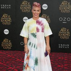 Pink trapped in an elevator before comeback gig https://tmbw.news/pink-trapped-in-an-elevator-before-comeback-gig  Pop star Pink had to be rescued from a malfunctioning elevator on Sunday (02Jul17) as she prepared to perform her first concert in four years.The Just Give Me a Reason hitmaker was in Milwaukee, Wisconsin for her comeback set at the Summerfest event when she and her six-year-old daughter Willow found themselves temporarily trapped.Pink shared an Instagram photo of the pair…