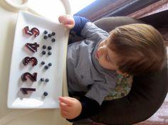 'smart snacks' for smart toddlers Toddler Snacks, Toddler Activities, Food Humor, Funny Food, Preschool Kindergarten, Preschool Ideas, Happy Kids, Kids Fun, Smart Snacks