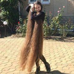 Beautiful Long Hair, Gorgeous Hair, Amazing Hair, Curly Hair Styles, Natural Hair Styles, Natural Hair Regrowth, Long Hair Play, Really Long Hair, Playing With Hair