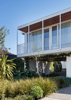 The top ten most popular mid-century modern Australian houses, as featured on The Design Files this year. Architecture Design Concept, Detail Architecture, Architecture Renovation, Plans Architecture, Residential Architecture, Garden Architecture, Architecture Photo, Australian Architecture, Australian Homes