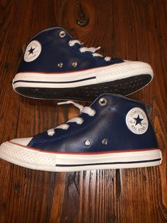 7a40a9eca3ed7e Boys Converse Size 3 Ctas Street Mid Midnight Navy Excellent Used Condition   fashion  clothing