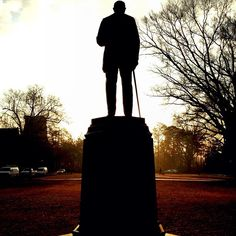 We're looking forward to a bright new week! What do you plan to accomplish? #duke #pictureduke   via @dukeuniversity