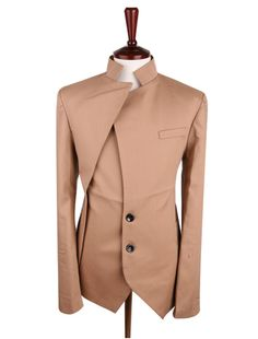 N.A. (N.D). Tailored jacket XXl Century. [Image] Available at: https://s-media-cache-ak0.pinimg.com/originals/10/84/3e/10843efe89d4404bf35d46db91166b67.jpg [Accessed 10 Feb. 2017].