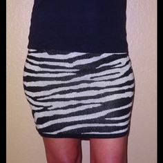 """Derek Heart shimmer metallic sweater skirt zebra Derek Heart shimmer metallic sweater skirt  Medium 