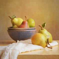 Pears and Bowls