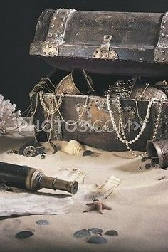 Picture of Treasure Chest With Spyglass And Map. Get affordable Stock Photos at Thinkstock UK. Deco Pirate, Pirate Art, Pirate Life, Pirate Theme, Pirate Crafts, Pirate Ships, Pirate Birthday, Pirate Decor, Concours Photo