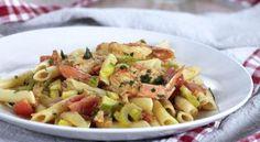 Πέννες με Γαρίδες σε σάλτσα από ντοματίνια cherry και λαχανικά Pasta Salad, Potato Salad, Potatoes, Ethnic Recipes, Food, Crab Pasta Salad, Eten, Potato, Meals