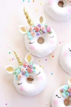 Ricas donuts horneadas decoradas con estilo unicornio, no te puedes perder está tendencia!
