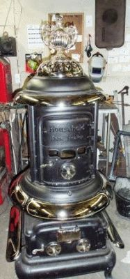 Antique Stove Hospital - Forty years of experience in restoring wood, coal, and gas stoves. Antique Kitchen Stoves, Antique Wood Stove, How To Antique Wood, Coal Gas, Coal Stove, Fireplace Fender, Restore Wood, Vintage Stoves, Wood Stoves