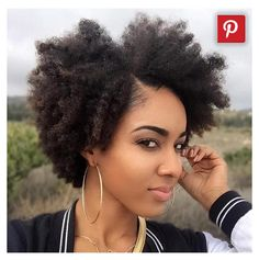 The Curly Hair Afro Style Own your look with easy hairstyles. Explore expert hairstyling techniques and tutorials specially focused on hairstyles for women. The Curly Hair Afro Style Find the best free stock images about hairstyle. Pelo Natural, Long Natural Hair, Natural Skin, Natural Makeup, Natural Beauty, African Hairstyles, Cute Hairstyles, Black Hairstyles, Braided Hairstyles
