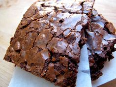 Beste brownie i byen: Seig, søt og fullstappet med deilig sjokolade. Brownie Recipes, Chocolate Recipes, Cake Recipes, Danish Dessert, Gluten Free Cakes, Norwegian Food, Something Sweet, Let Them Eat Cake, No Bake Cake