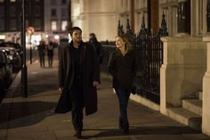 Tom Burke as Cormoran Strike and Holliday Grainger as Robin Ellacott (Promo photo The Silkworm ep.2)