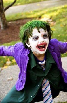 A Homemade Halloween Joker costume. Halloween Kostüm Joker, Joker Halloween Costume, Amazing Halloween Costumes, Cool Costumes, Halloween Kids, Costume Batman, Costume Ideas, Halloween Hair, Funny Halloween