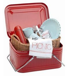 Picnic time!  Cool idea, could use one of those popcorn tins you get EVERY Christmas!